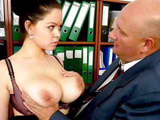 Big-breasted secretary fucks the brush loathsome boss