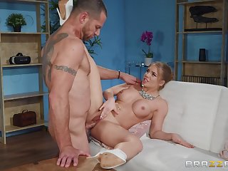 Milf gets personal with the muscular neighbor