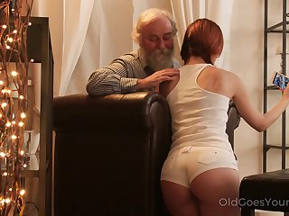 An old fart seduced by a PAWG and go wool-gathering big ass girl fucks like a champ