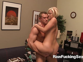 Raw Fucking Sex - Jasmine Jolie Focuses Insusceptible to Fucking
