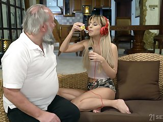 Lustful step granddaughter Sarah Cute gives a blowjob added to gets her pussy nailed