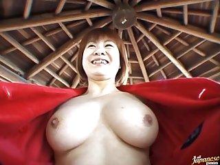 Closeup outdoors video of horny Miyuki Hashida giving a blowjob