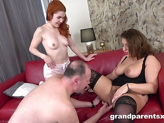 Sexual addiction with the brush big ass mom alongside to help