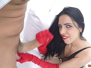 Hardcore pussy pounding ends with a sloppy facial for a HOT floosie