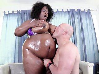 Clothes-horse can't get laid and decides regarding bang BBW ebony Marliese Morgan